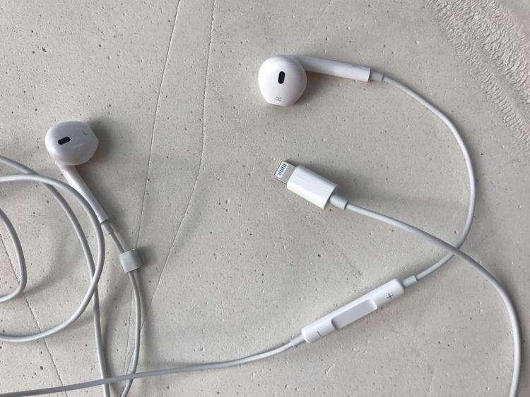 废弃的耳机属于什么垃圾
